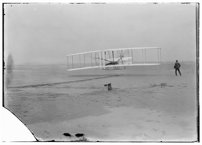 Wright_Brothers_1903